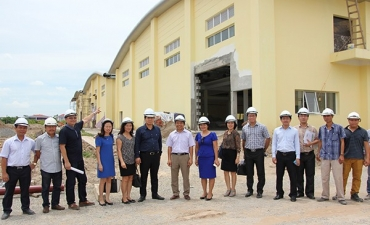 SCIC officials visit Traphaco's major pharmaceutical plant